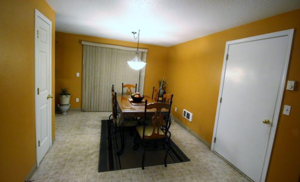 1656 Bowmont Ave Kelso WA 98626 - Dinning Room