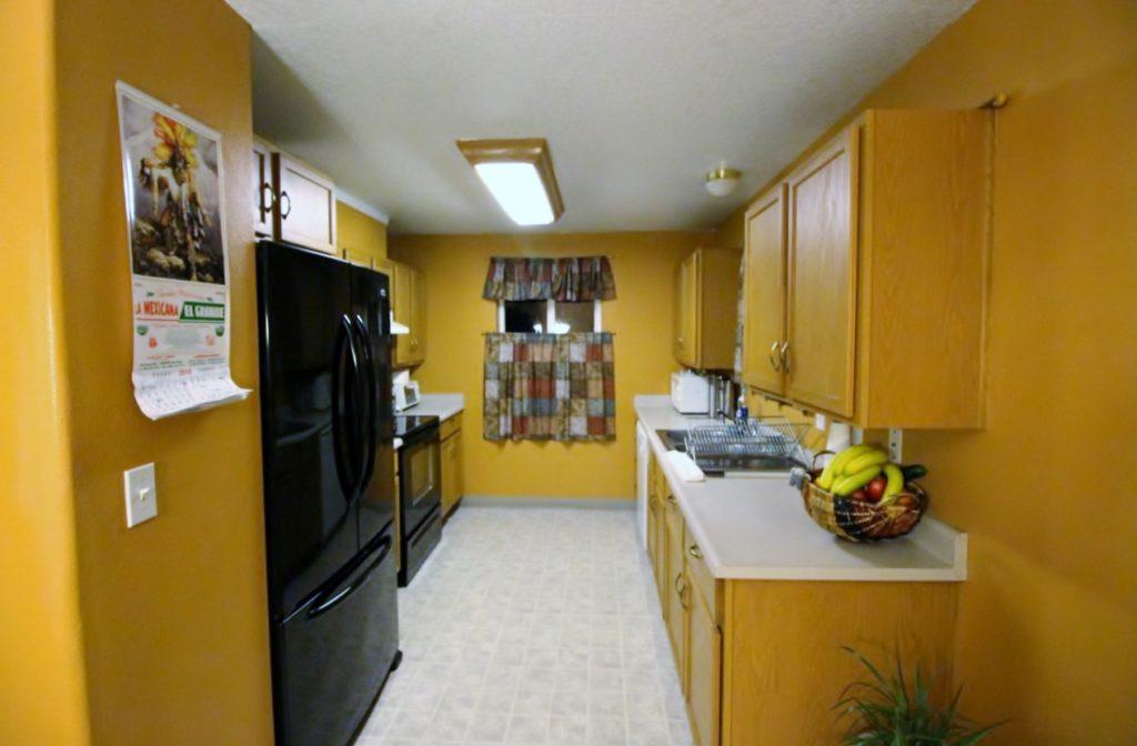 1656 Bowmont Ave Kelso WA 98626 - Kitchen